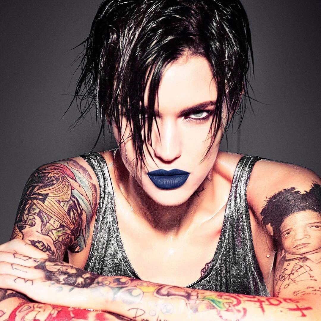 udwende: New @rubyrose image shot by @EllenVUnwerth! Ruby is wearing Vice lipstick in Heroine. #LipstickisMyVice <br>http://pic.twitter.com/5r2itXnoik