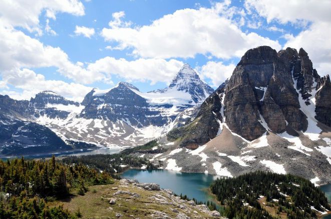 And one of our favourite spots in #Canada: Mount #Assiniboine,the highest peak in the Southern #Rockies reached aftera six-hour trek. <br>http://pic.twitter.com/4tudUZCPHy