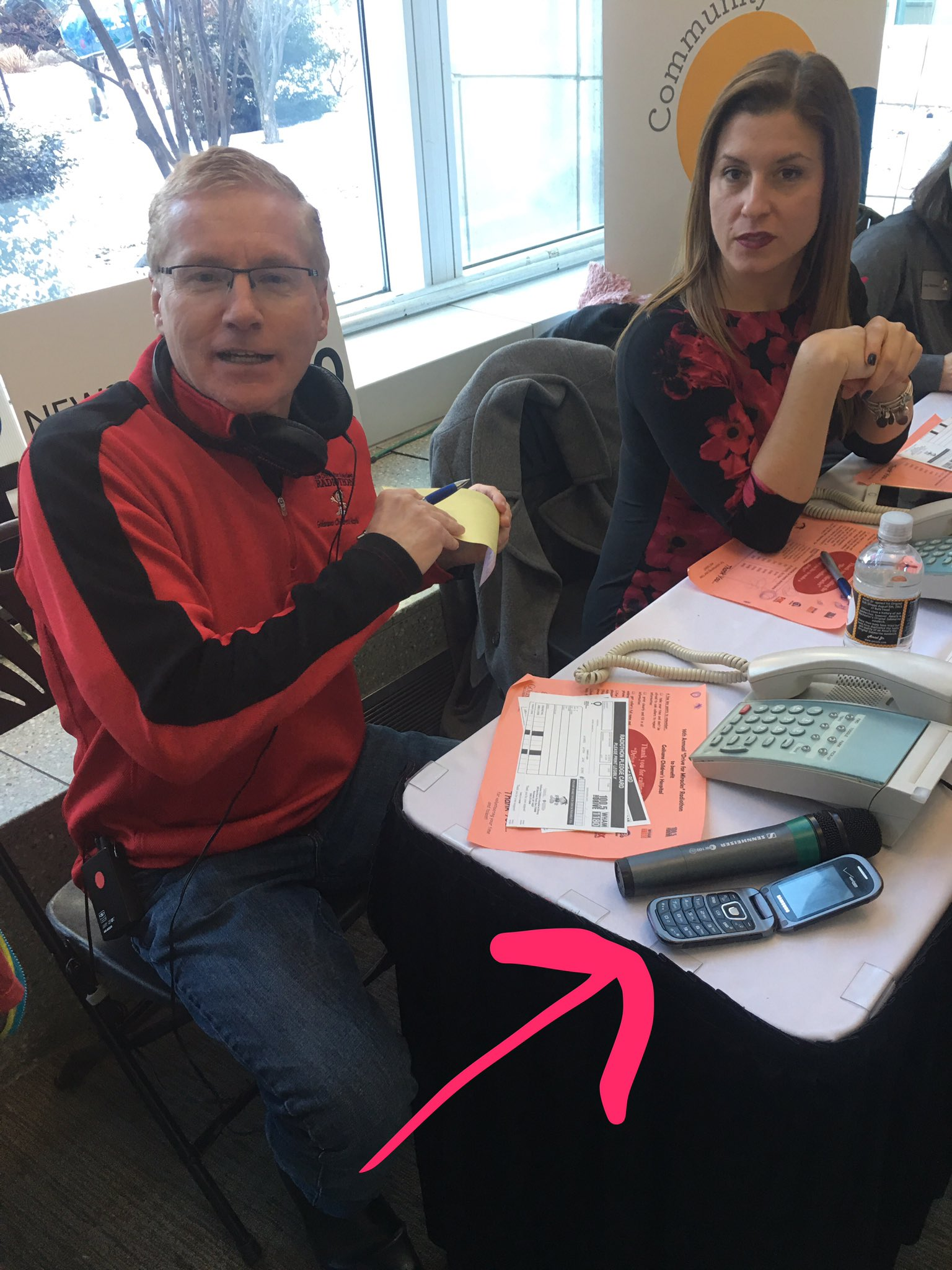 This is Pete Kennedy.  Pete has a flip phone.  Don't be like Pete. #DriveForMiracles https://t.co/XddxB1ack1