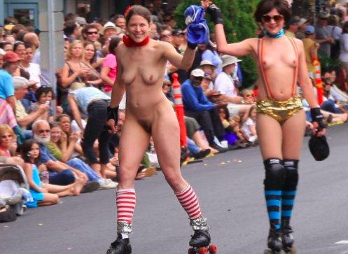 Lesbians in loveparade at berlin 2006 - 2 7