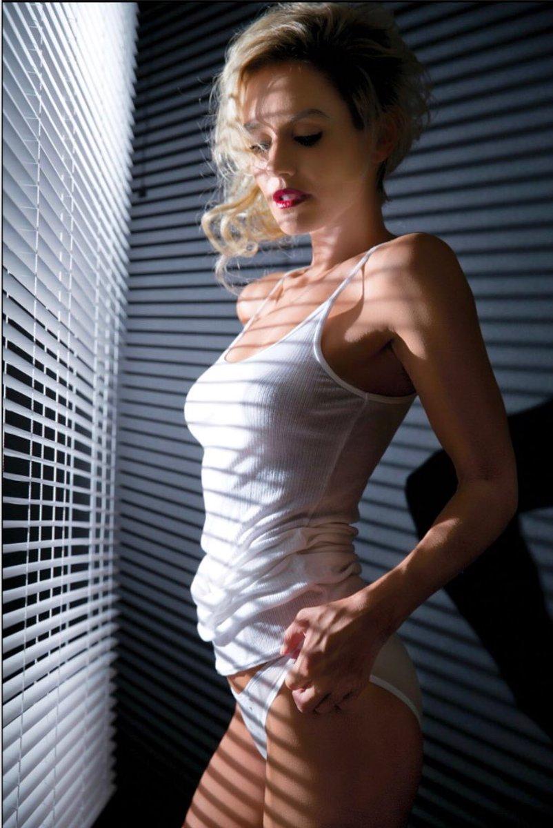 Angelina jolie pussy xxx