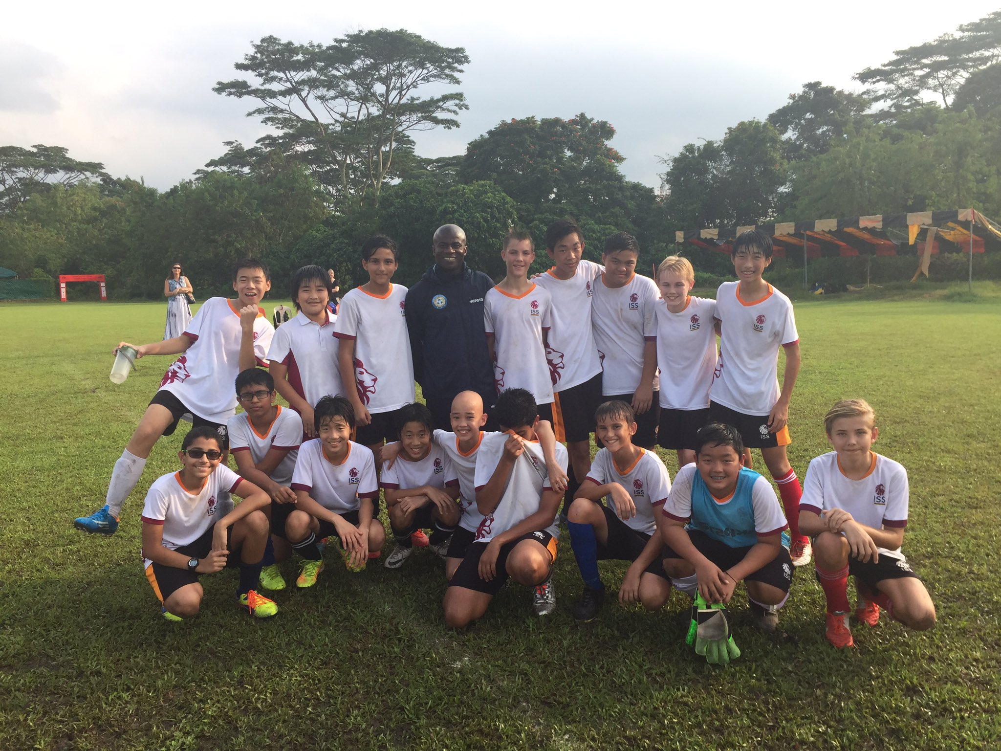 Congratulations to U14 MS Soccer team who finished their season off with a 7-1 win against Chatsworth #isspride ⚽️⚽️⚽️ https://t.co/UtKenQvdTr
