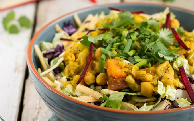 Quick and Easy Salad With Chickpea Dahl [Vegan, Gluten-Free]