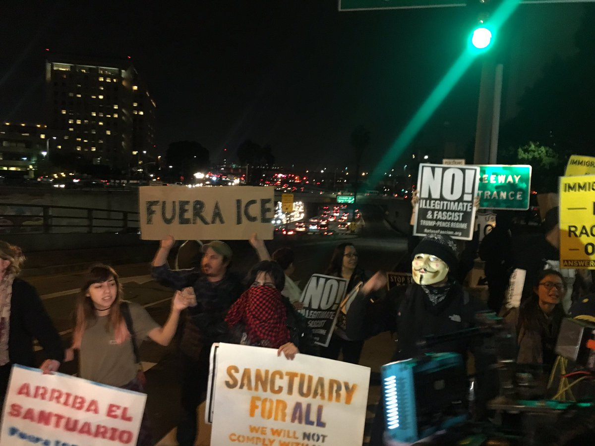 Happening now:  LA communities #shutdownICE access in response to ICE home raids!!  #ICEoutofLA #NOT1MORE #ALTOTRUMP https://t.co/HELBEsF229