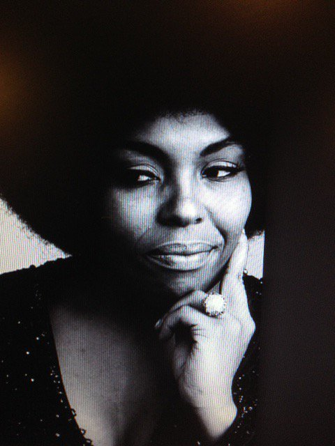 Conflicting dates for Roberta Flack\s birthday today.....happy she\s here regardless