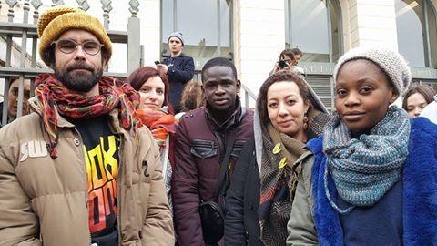 Ce matin, nous étions aux côtés de #CedricHerrou, relaxé pour le délit de solidarité https://t.co/zGK5O3da9g