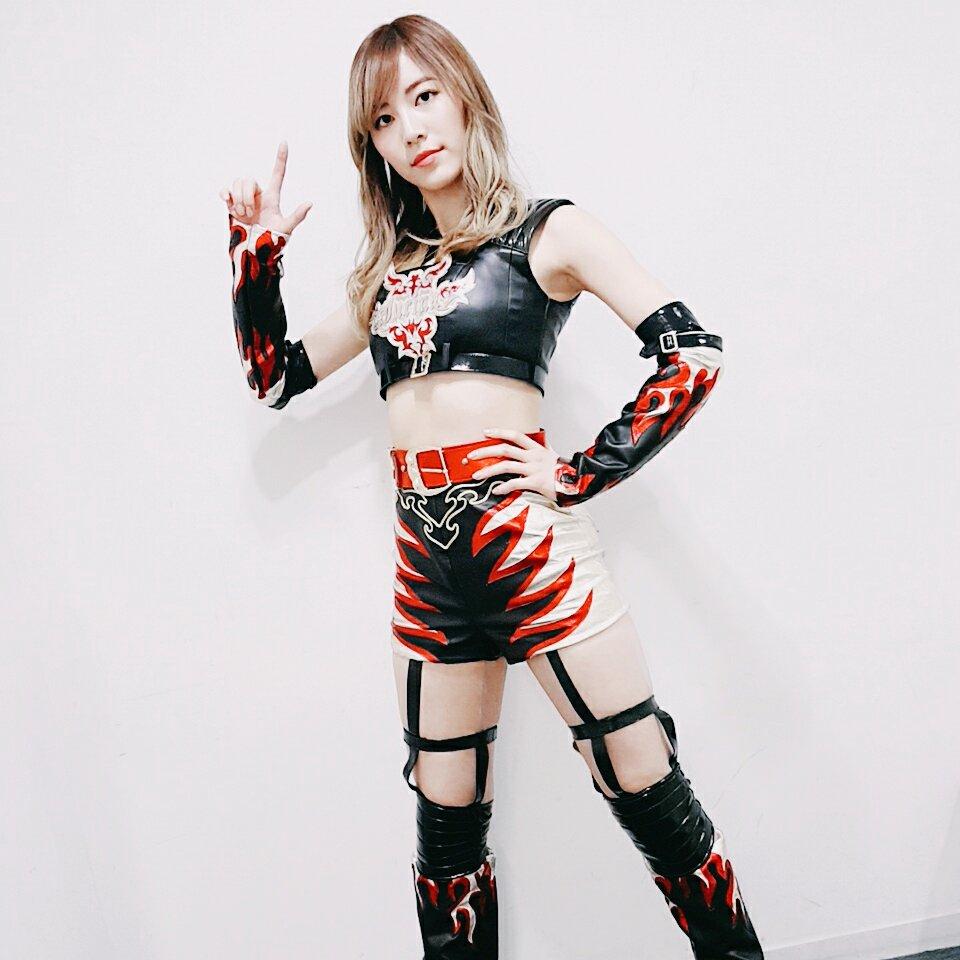 プロレス衣装の松井珠理奈