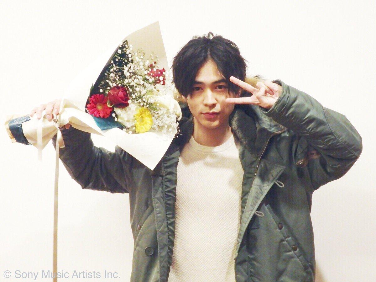 【 #成田凌 】本日は、毎週日曜21:00〜 放送中のドラマ「大貧乏」ファンミーティングでした!! …