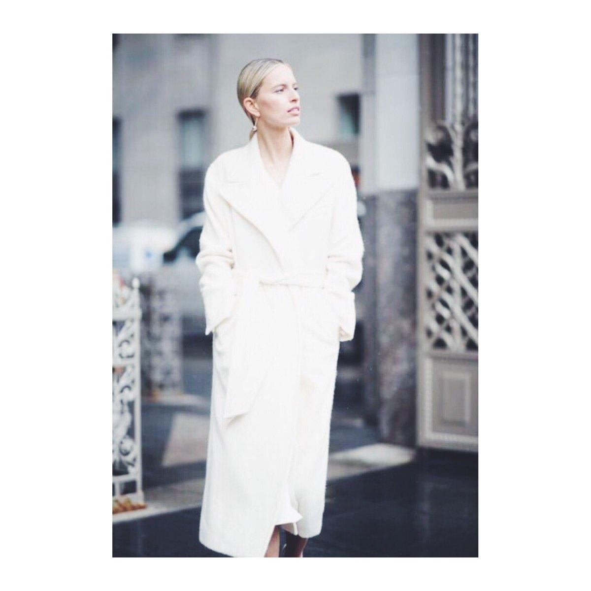 Karolina Kurkova  - Winter White twitter @karolinakurkova kkstyle,fashion,style,winter,winterstyle