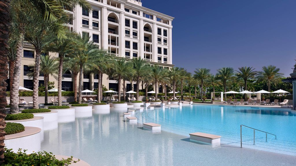 Pool view of the day: https://t.co/27hu5D6MdV @PalazzoVersace in #Dubai, #UAE. https://t.co/RkMTqTsUbn