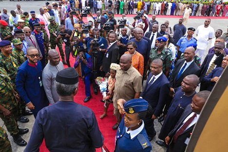 Osinbajo arrived Bayelsa to continue the FG's Niger Delta dialogue, while received by Governor Ezenwo Wike of Rivers State and an impressive crowd