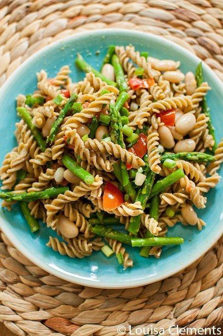 Asparagus and White Bean Pesto Pasta — Living Lou