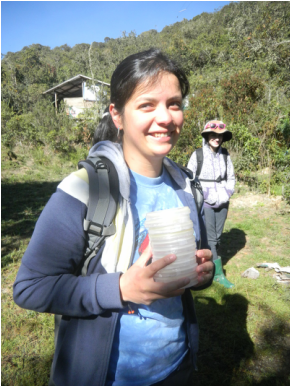 I am Vicky, an #actuallivingscientist living in the tropics, hoping to cure diseases in #frogs by studying their natural microbial defenses https://t.co/aeTYpkPuMC