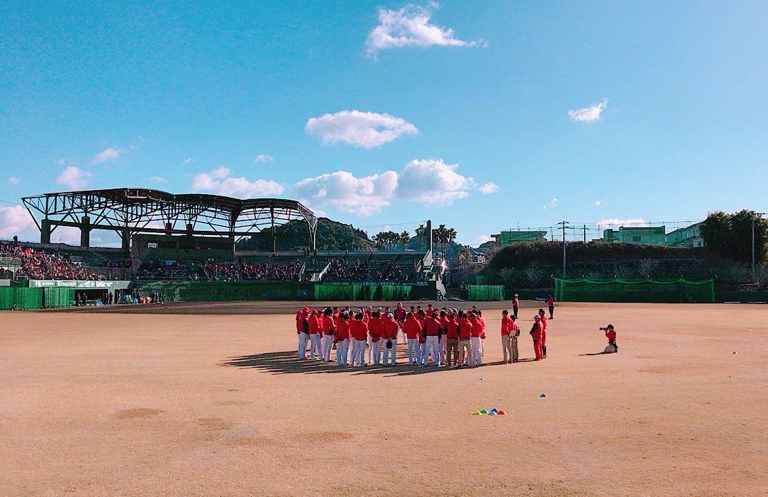 安仁屋宗八臨時投手コーチが日南入り。 「死ぬまで走れ!死なんから!」と投手陣に愛あるゲキ。円陣の声出…