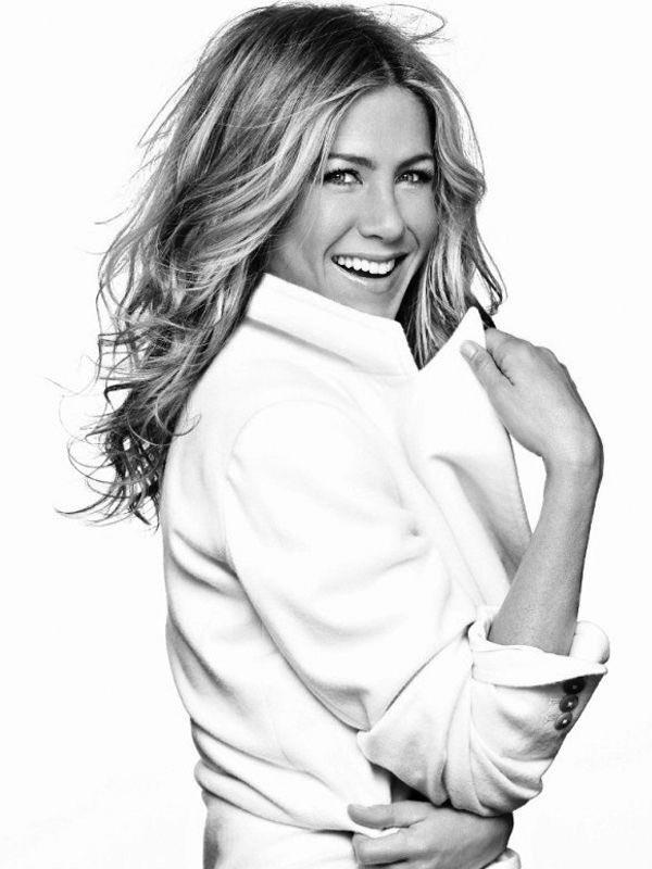 Happy birthday Jennifer Aniston I admire and love so much