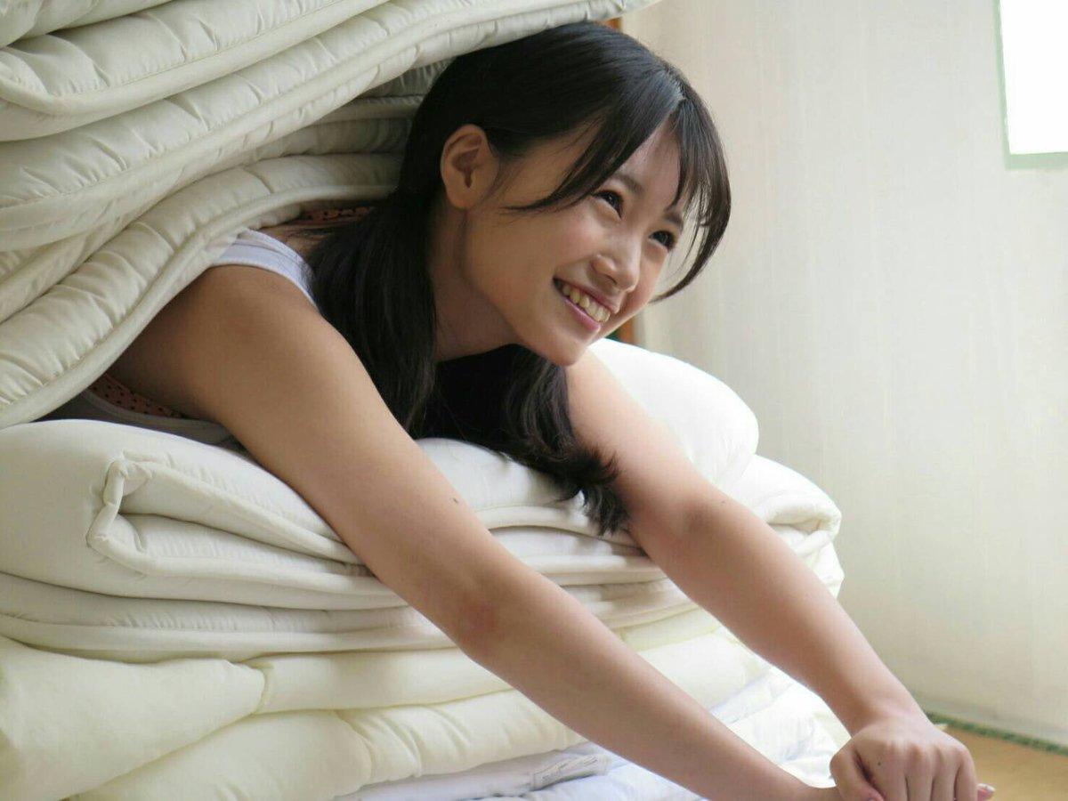 #月刊エンタメ4月号 (2/28発売) 地元福岡で 笑顔笑顔笑顔なグラビア撮影! #朝長美桜 #HK…