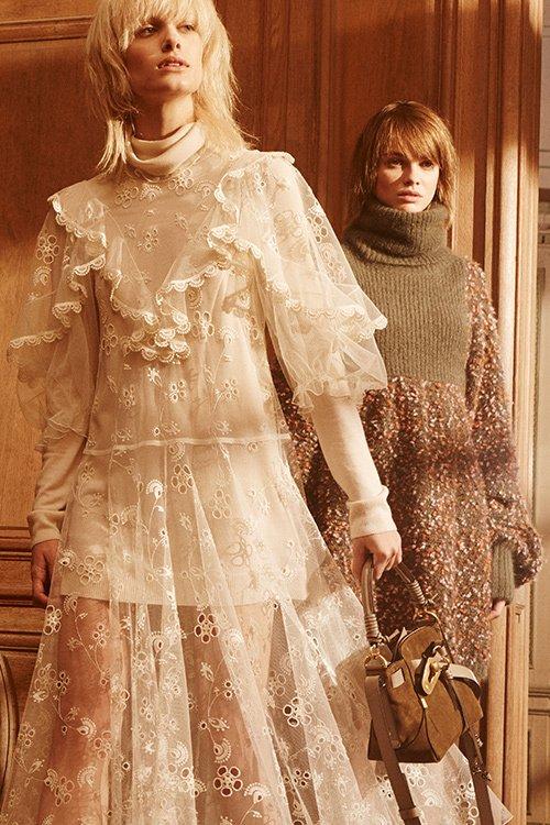 クロエ 2017年秋コレクション - ドレープと暖かいカラーパレットで描き出す、芯を持った女性像 f…