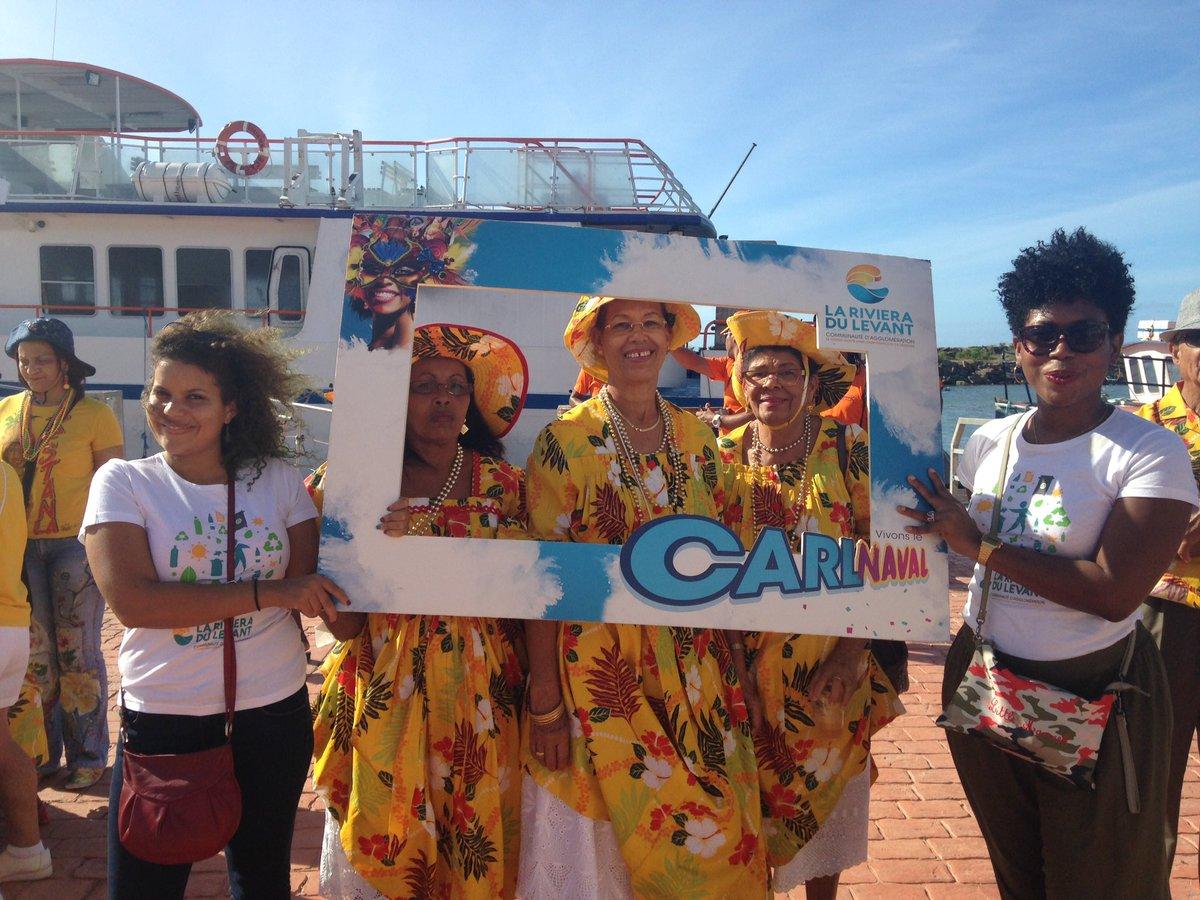 Vous aussi, venez faire vos photos avec la #CARL devant l&#39;office du tourisme de La Désirade ! #KannavalAKannik<br>http://pic.twitter.com/sZyHGyIZUE