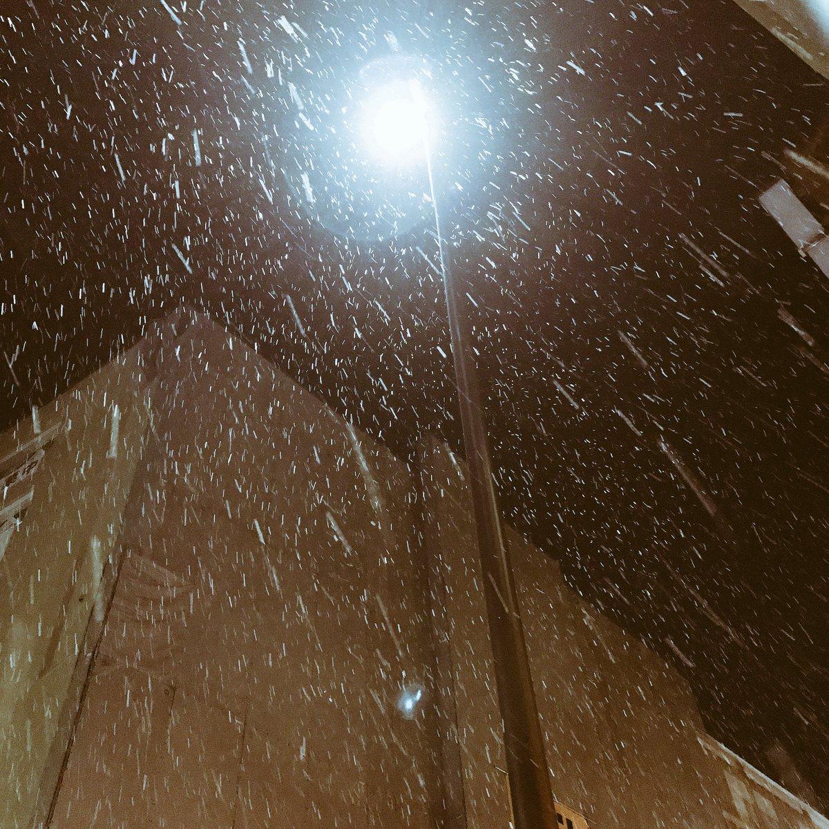 岐阜めっちゃ雪降ってるーーー❄️⛄️ 明日よろしく!!!! #XYZTOUR