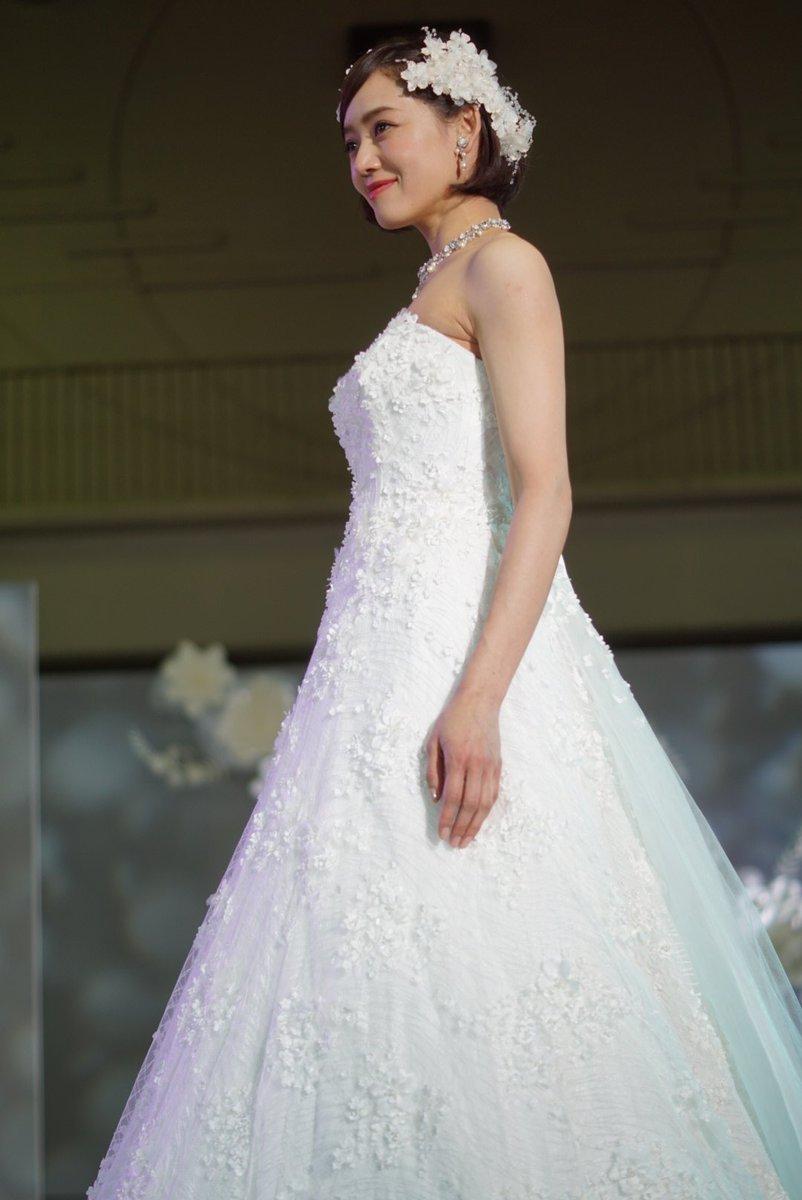 54fb2f546ca32 推しのドレスを選びに行ったよ( ε  )  ドレスファッションショー  ゼクシィフェスタ東海 pic.twitter.com LDXJTiL931