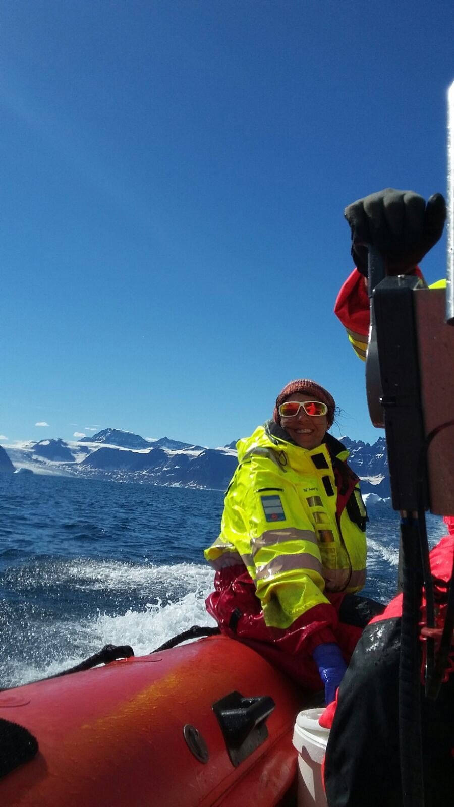MARine microbiologist & algae lover working on climate change impacts in the Arctic #actuallivingscientist #womeninscience #DressLikeAWoman https://t.co/CTmtas0KlN