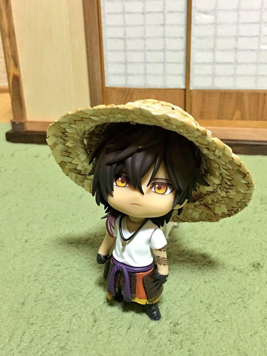 刀剣男士の中で一番麦わら帽子が似合う子No.1だと思っている(※当社比)  大倶利伽羅くん上手に畑当…