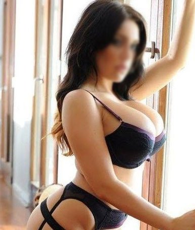 About escort in manali