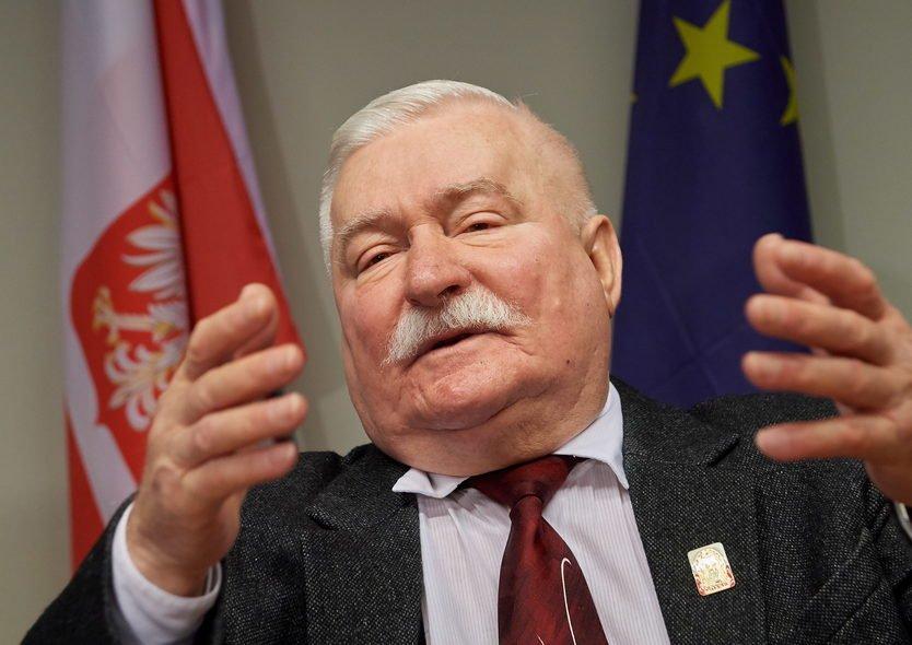 Dla większości mieszkańców Polski jest on nadal bohaterem.