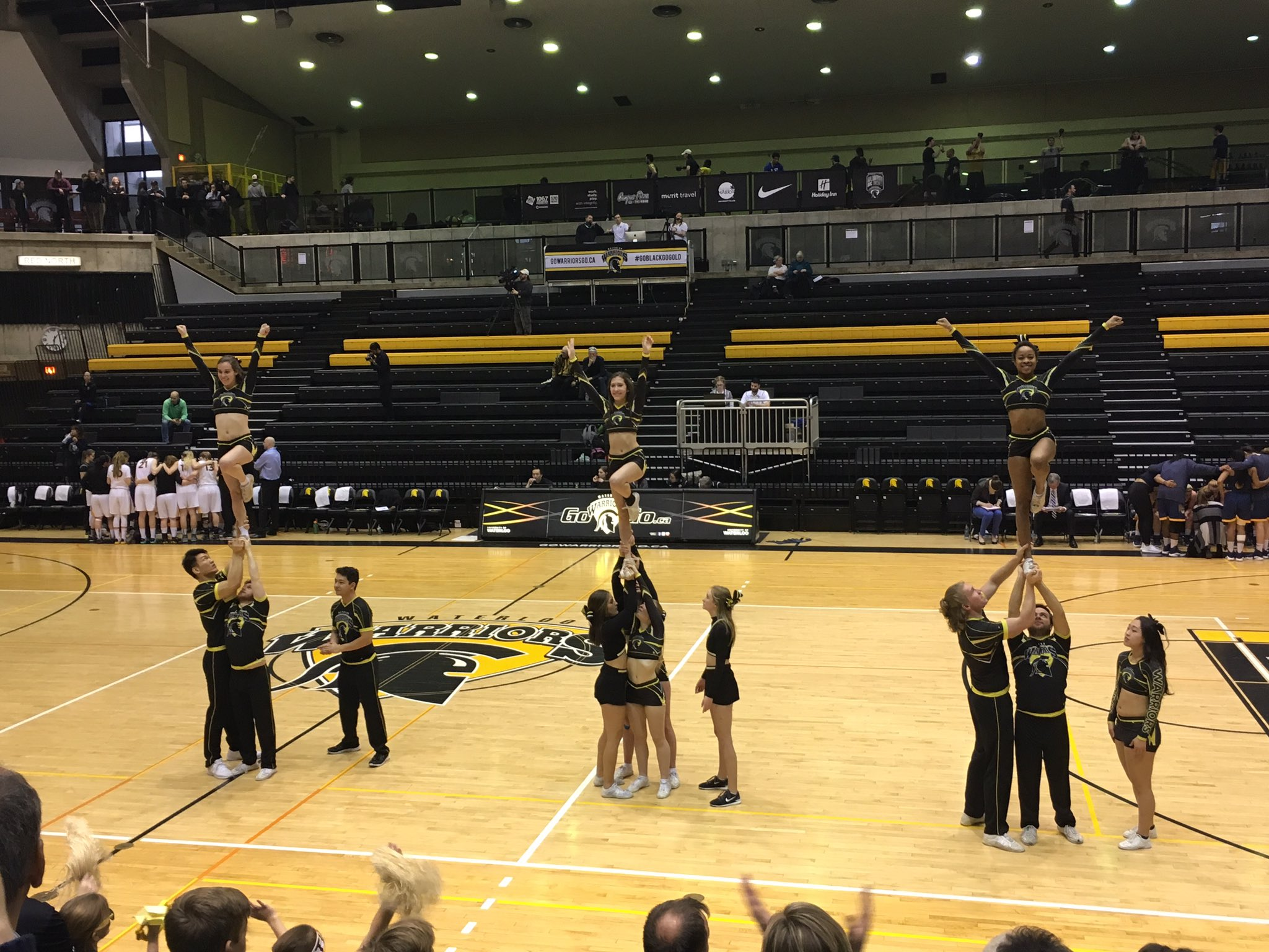 Nice to see the cheer team show their stuff during a time-out after two great plays by the Warriors! This #UWaterlooFAD game is INTENSE! https://t.co/WJukmn7TxQ