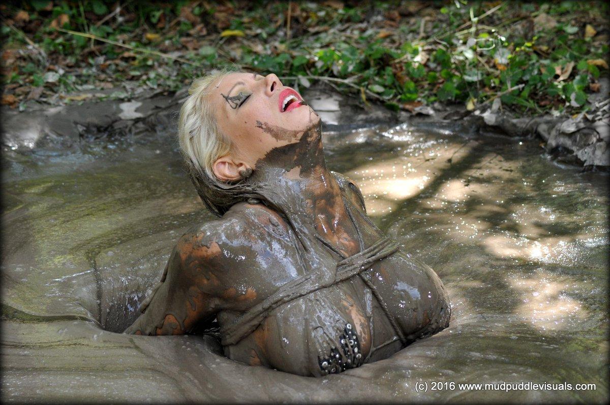 Bondage quicksand fetish