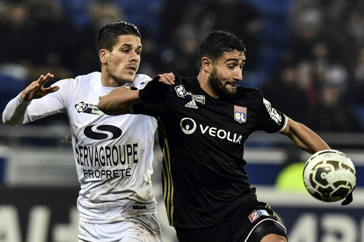 Guingamp 2-1 Lyon Highlights