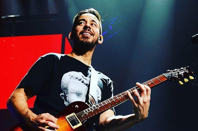 Happy birthday to dear Mike Shinoda     from Linkin Park .