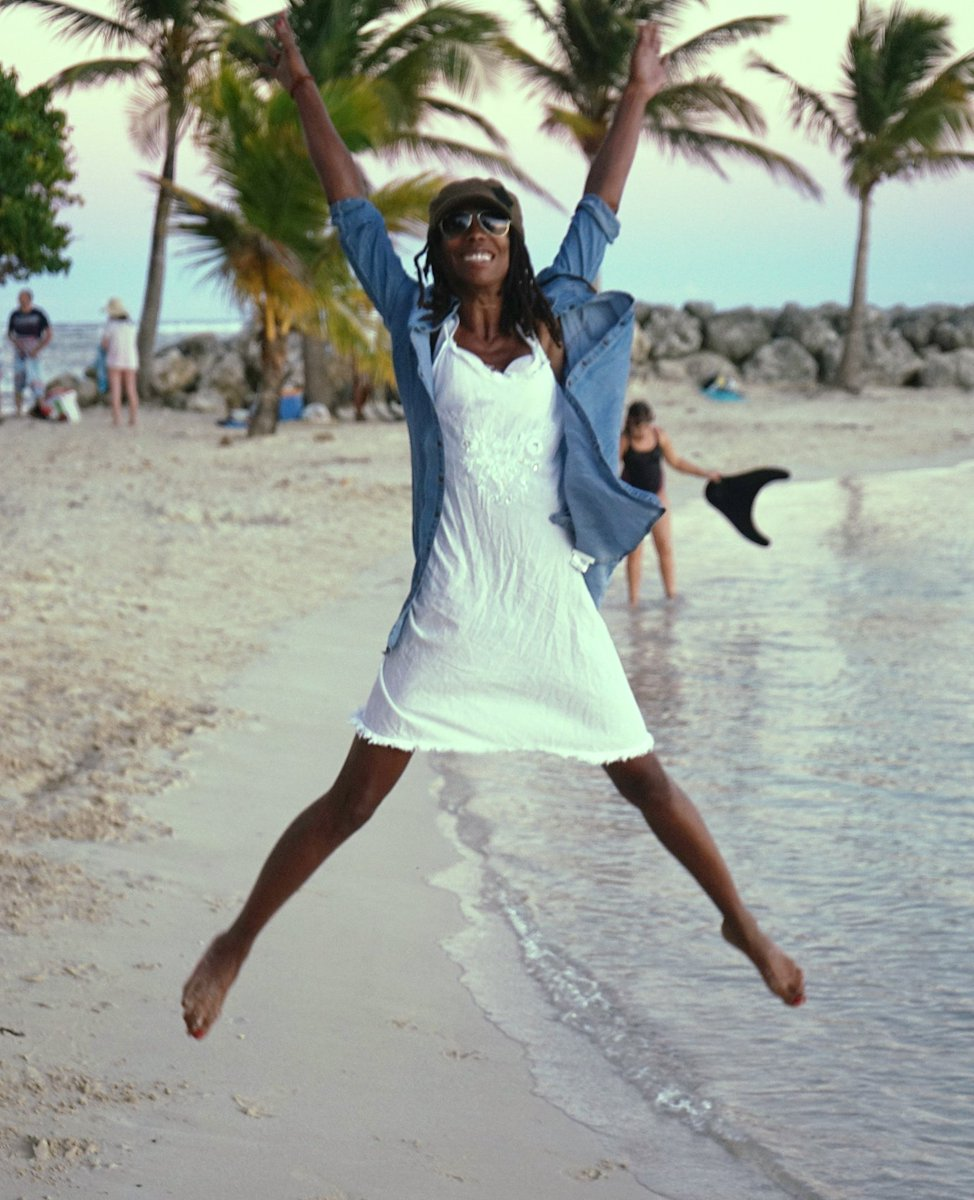 #Enjoy my #paradiseVacances #OKLM sur les plages de #Guadeloupe  #Voyage #Gwada#CoolTime #JustChill<br>http://pic.twitter.com/XrwIdsiFjV
