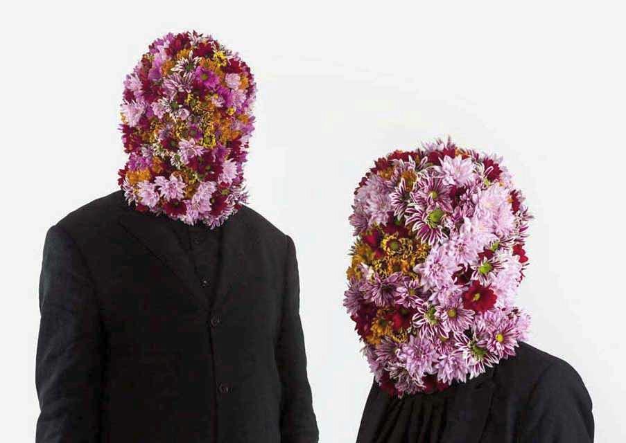 #vincigalesi #iviaggiatoriindossavanoilfuocodellabellezza #photography #flowermask #flower… https://t.co/VU9awlUtgZ