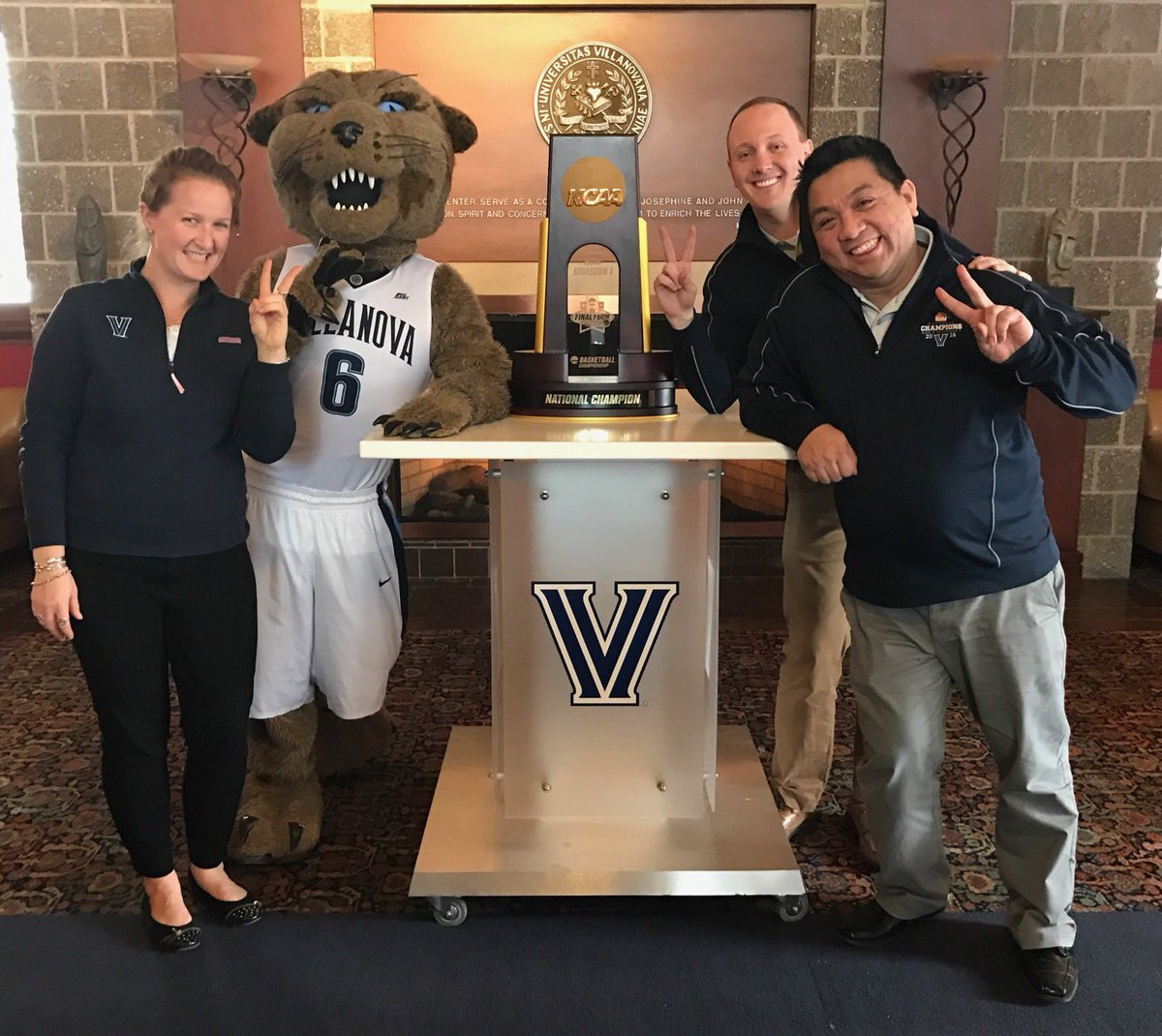 villanova essay topics villanova admission staff is thrilled to take a picture the trophy and willdcatvupic twitter com bas eorbdr