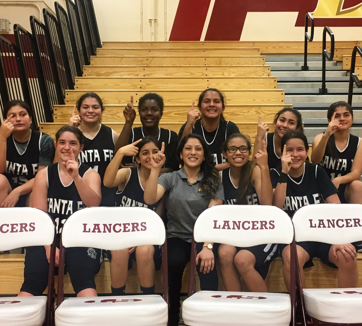 League champs, undefeated 10-0!! 🏀🏀💛💛🖤🖤 https://t.co/xnutQOOT3I