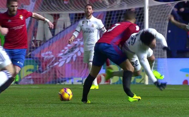 Защитник Осасуны сломал большую и малую берцовые кости в матче с Реалом - изображение 1