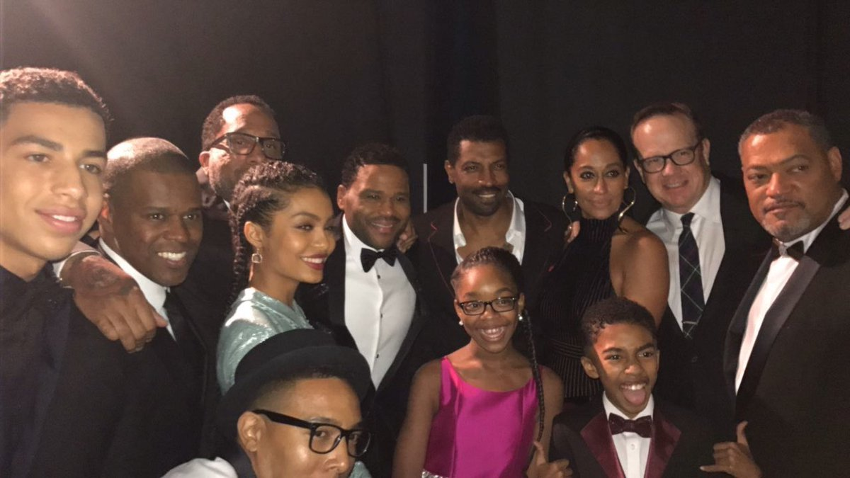 #blackish wins! #NAACPImageAwards #imageawards https://t.co/NjqrMJCJr3