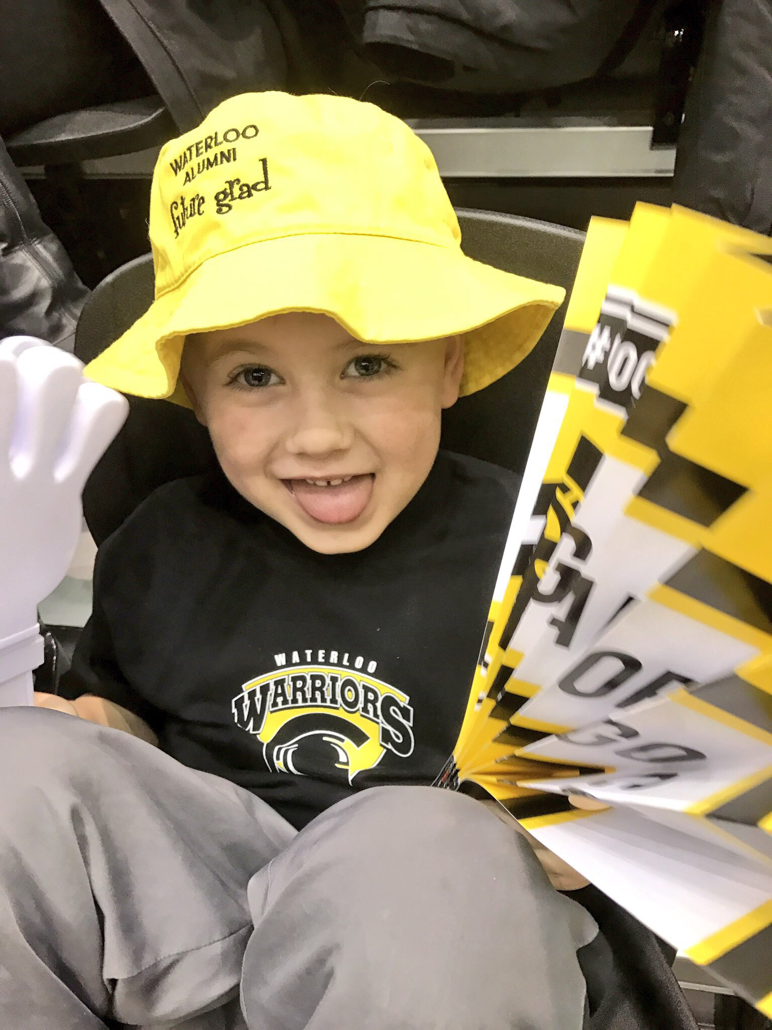 This little man loves Kidsability, thank you for supporting such an amazing organization today @WlooWarriors @uwaterlooalumni #UWaterlooFAD https://t.co/6x5MScx8OR