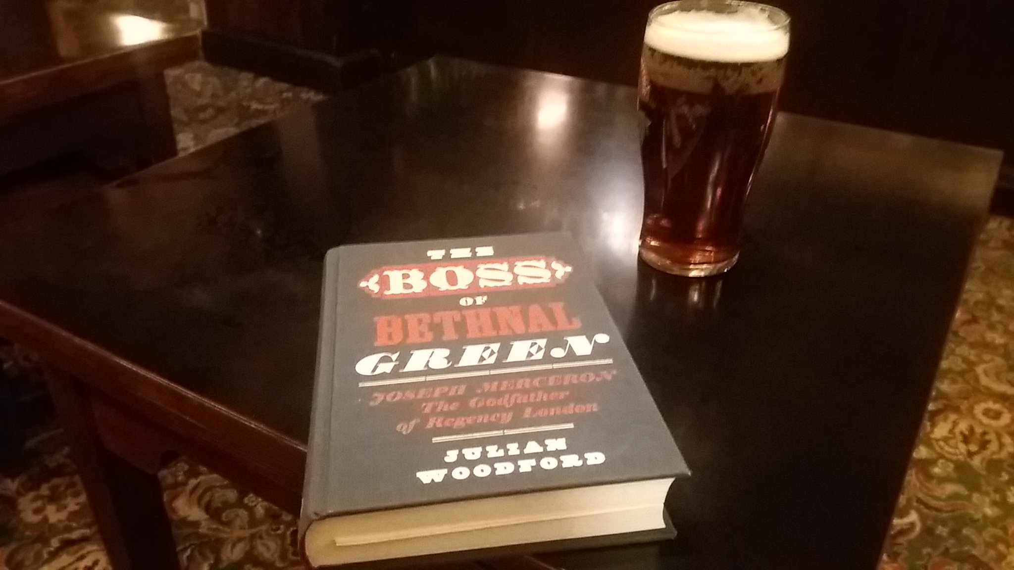 At #White Cross #NorthCray. Enjoying combination of lovely @Harveys1790 and excellent book Boss of #BethnalGreen  about @josephmerceron https://t.co/xiWnfyBWOl