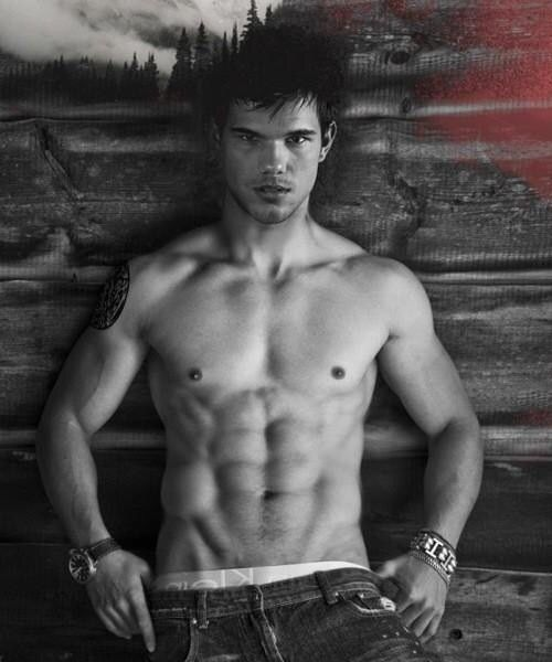 Happy Birthday to Taylor Lautner!
