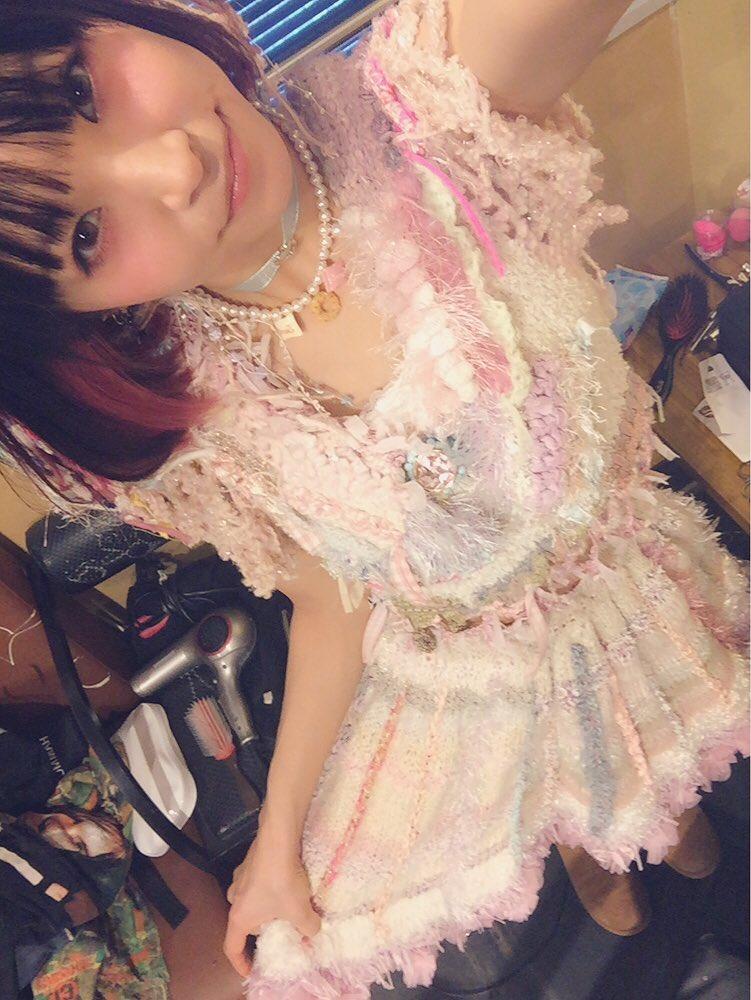 縷縷夢兎(るるむう)さま @usagi_kanae のお洋服が可愛すぎて撮りすぎた。はっぴーばれんた…