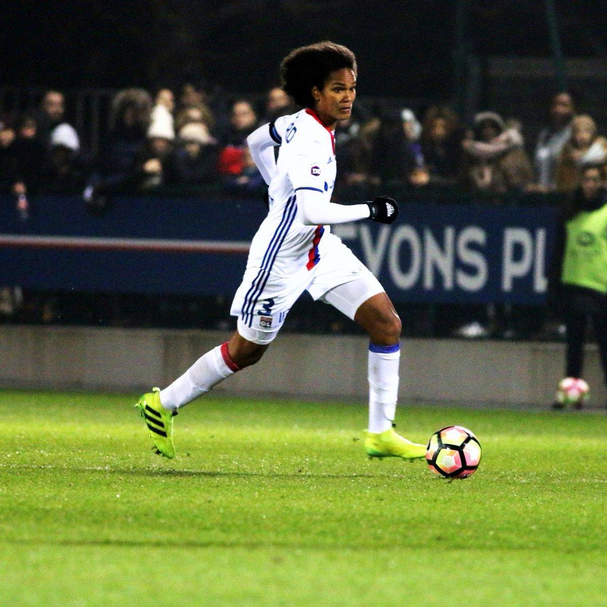 Premier des deux matchs à venir face à Juvisy aujourd&#39;hui à 16h30 au @ParcOL ! #OLfeminin  ©Mayamans <br>http://pic.twitter.com/9g4L2XpCUQ
