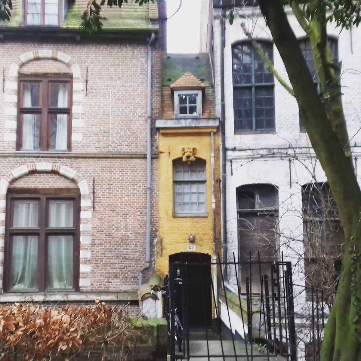 julie de waroquier on twitter la plus petite maison de lille. Black Bedroom Furniture Sets. Home Design Ideas