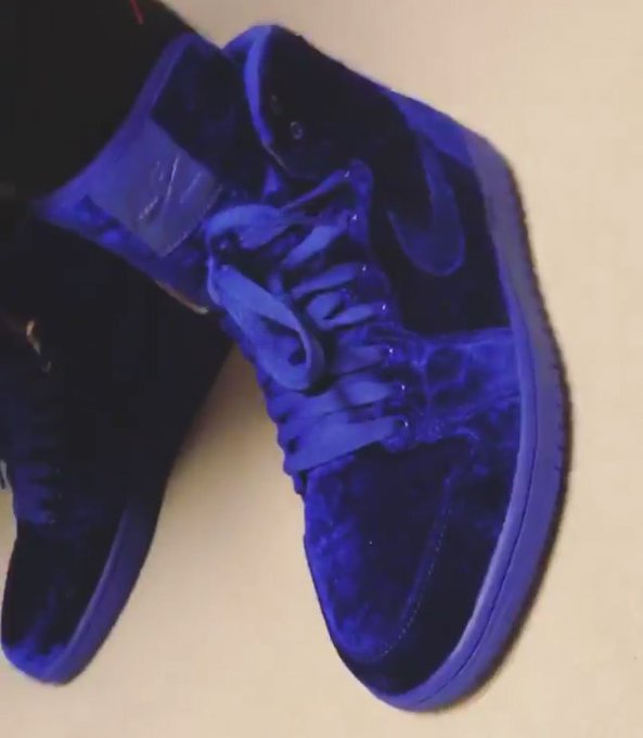 6e1c70829f03 blue velvet air jordan 1 debuts during new york fashion week.