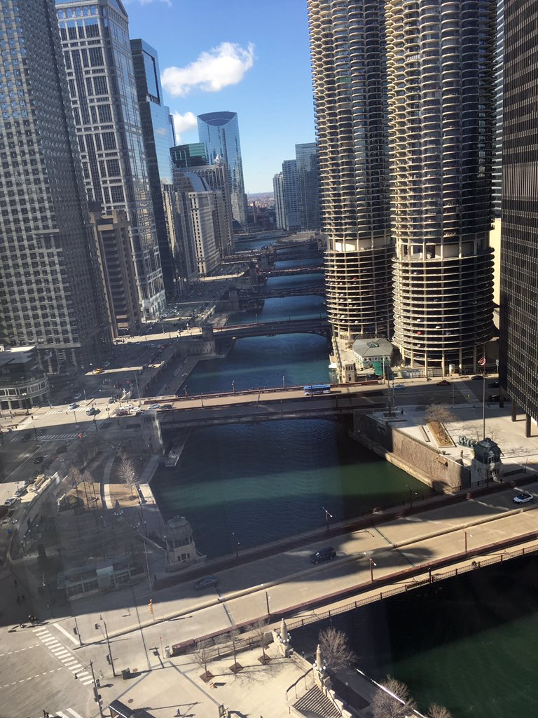 trump  londonhousechicago  staycation  perfectsunday  RandR  love   chicagoloop  lakemichiganpic  com NgSiLfQday. londonhousechicago hashtag on Twitter