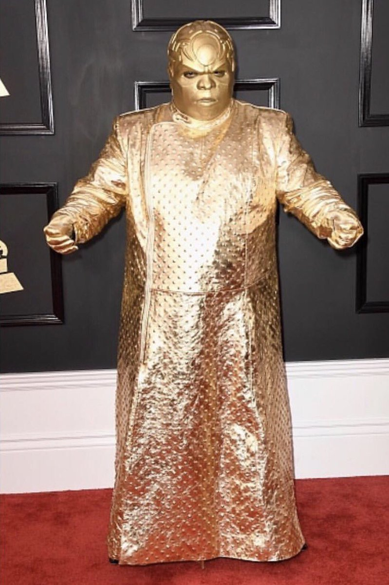 Whoever told him this was ok needs to be fired #IMMEDIATELY #GRAMMYs<br>http://pic.twitter.com/Y2dIOTJwlu