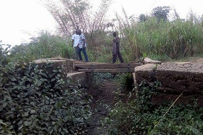 The bridge linking the community with outside world was built by the British during colonialism, was bombed by Nigerian troupe during the civil war