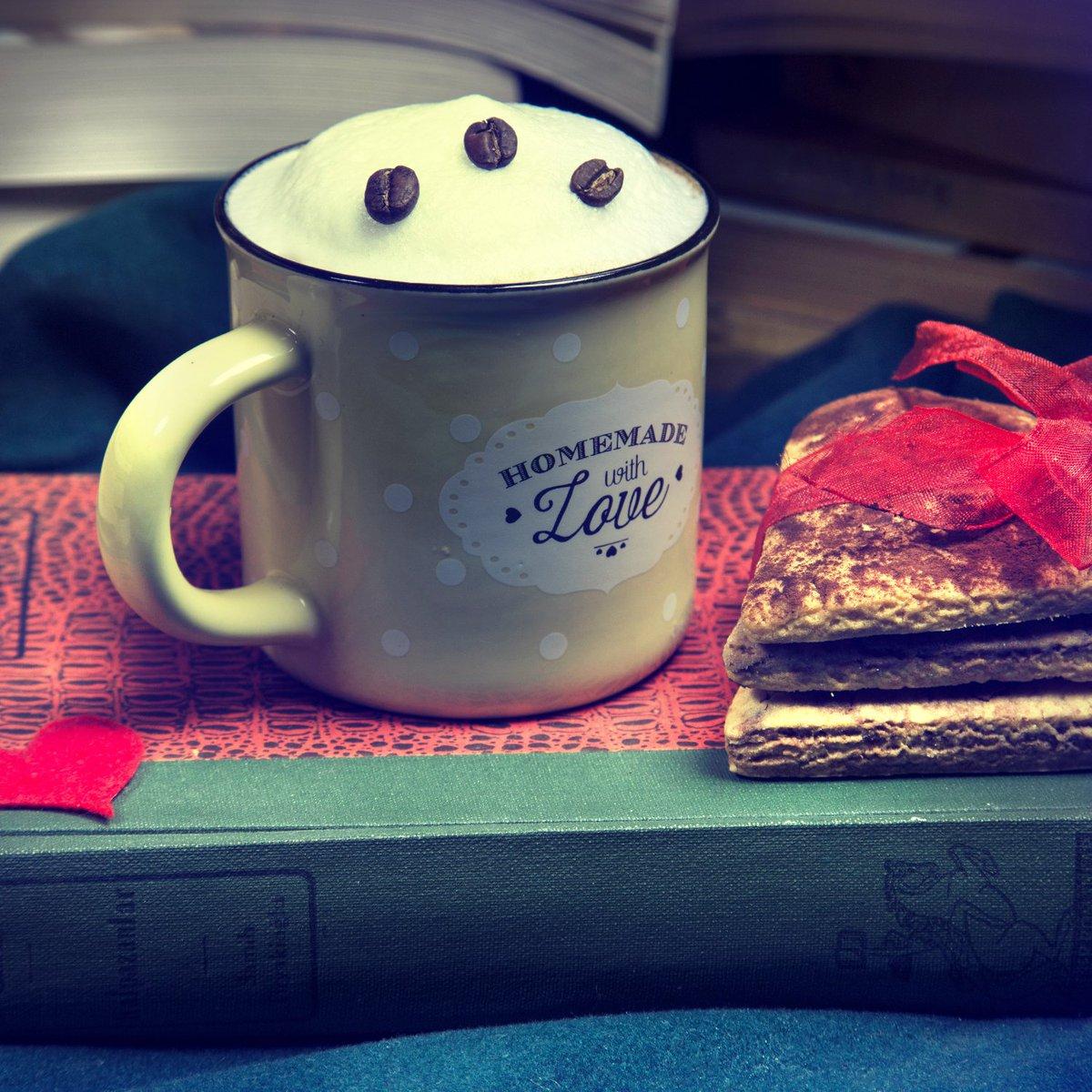 Kahve kokulu Pazartesi😉😍Bekleriz❤ #sanatevim #sanattayiz #kahvearasi #Coffee https://t.co/pXvLHDyCqk