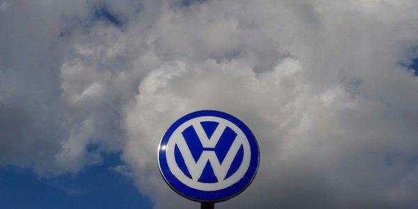 Échec des #négociations sur le plan d'#économies chez #Volkswagen #Allemagne #socialmedia #hrw   http:// fr.azvision.az/%C3%89chec-des -n%C3%A9gociations-sur--35033-xeber.html#.WKHtkEd_V9A.twitter &nbsp; … <br>http://pic.twitter.com/LogcJBvjSx